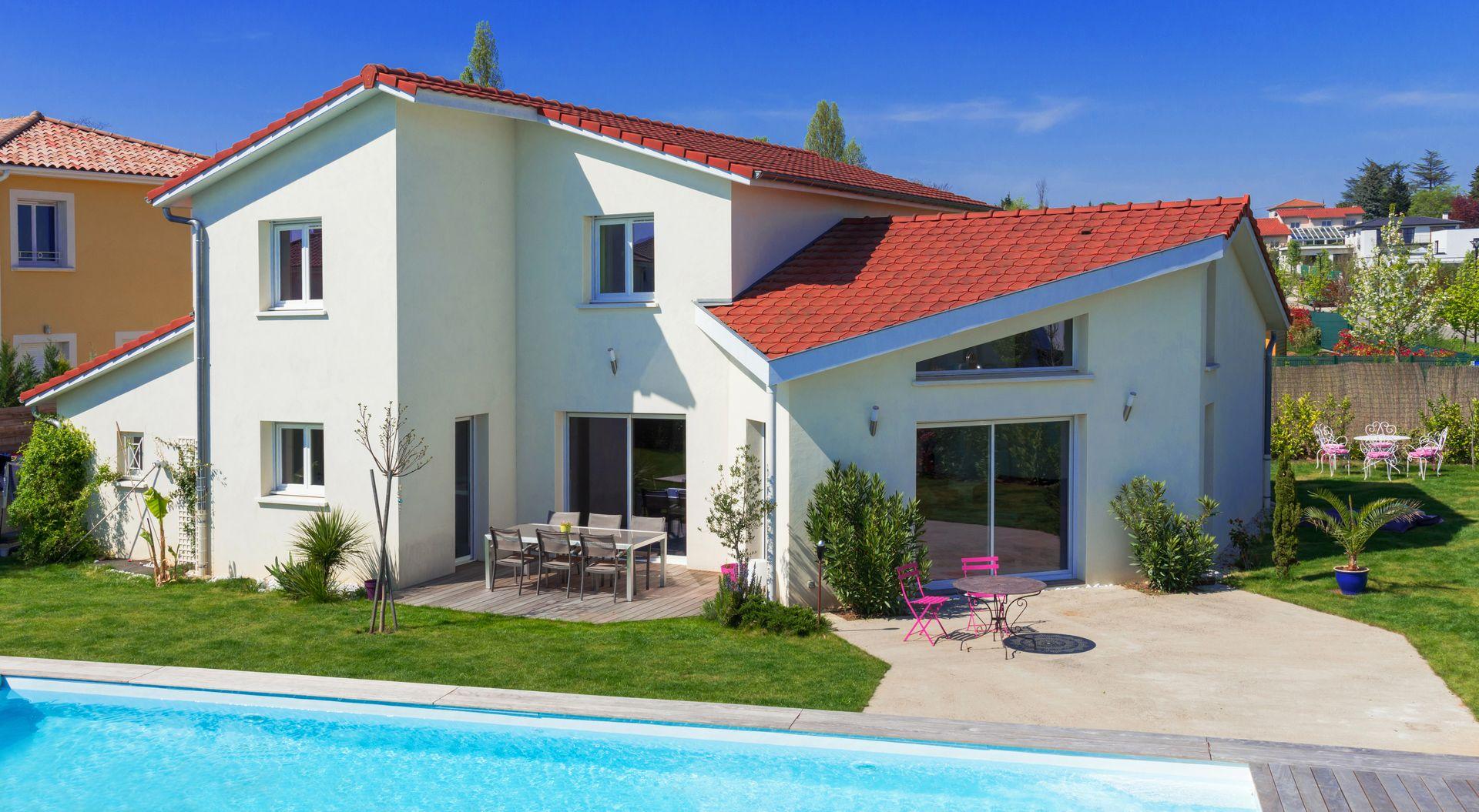 constructeur-maison-individuelles-piscine