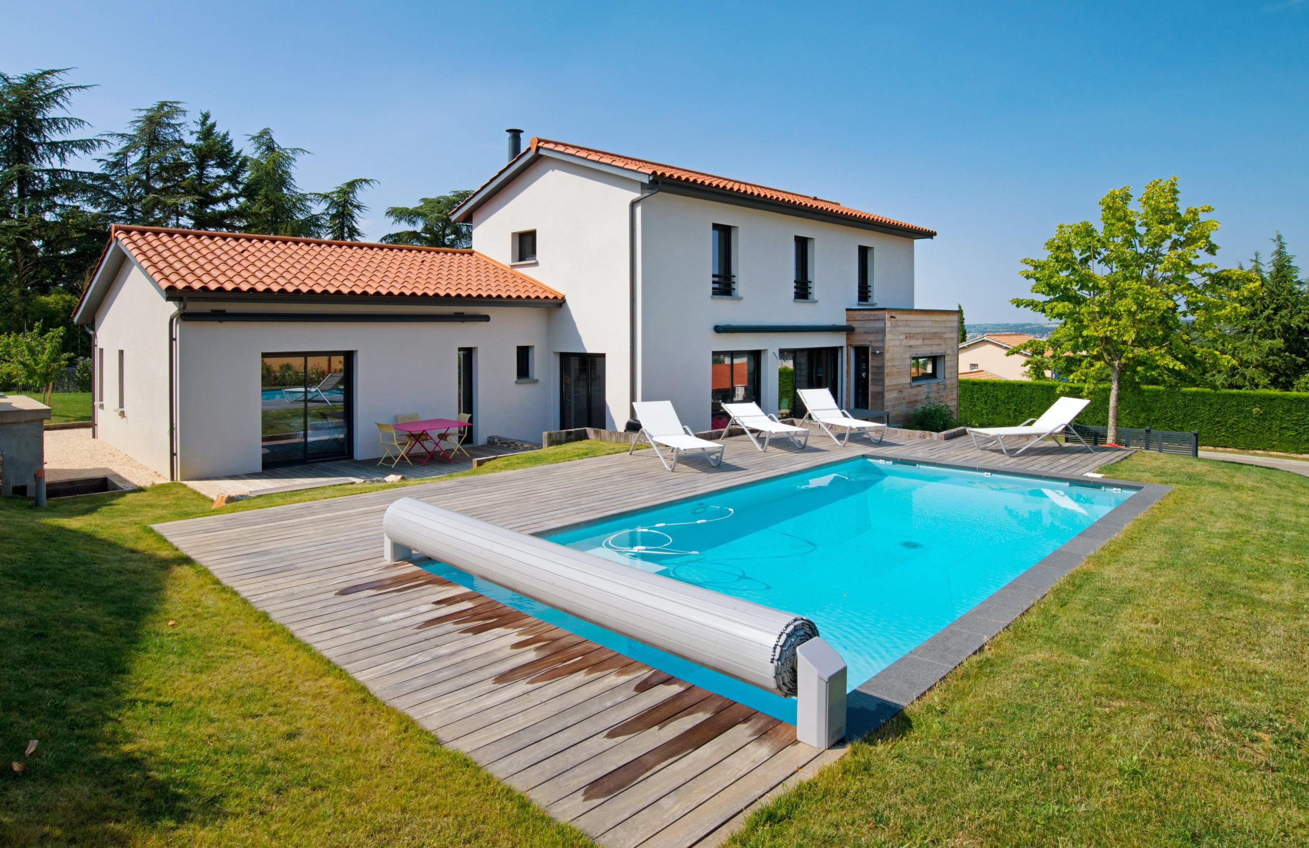 maison-bioclimatique-piscine-lyon