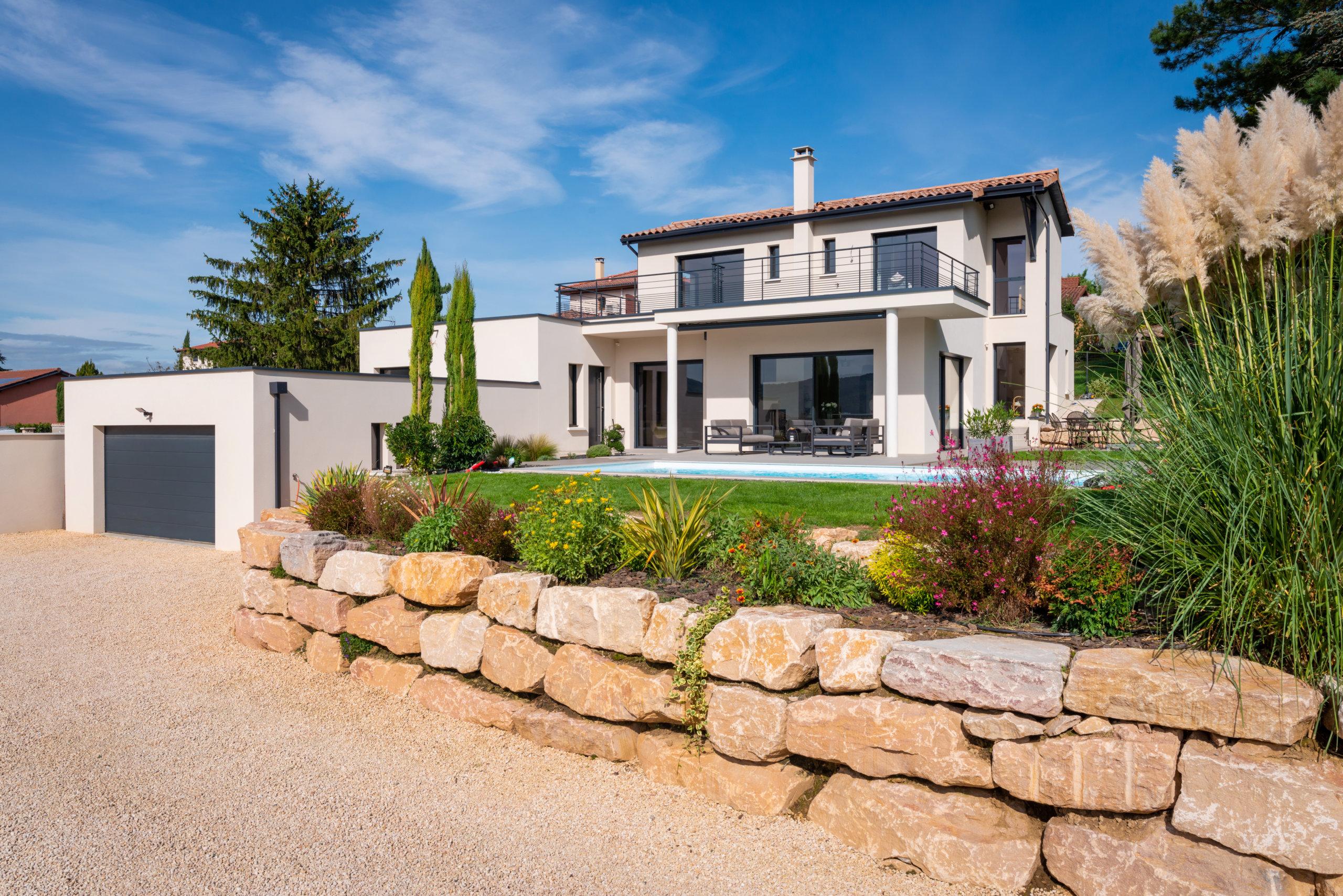 maison-contemporaine-pierre-Lyon